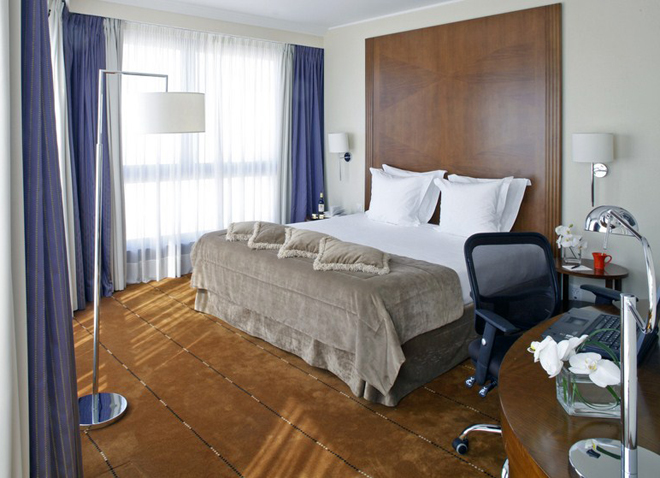 Mobilier chambre hotel for Mobilier pour chambre