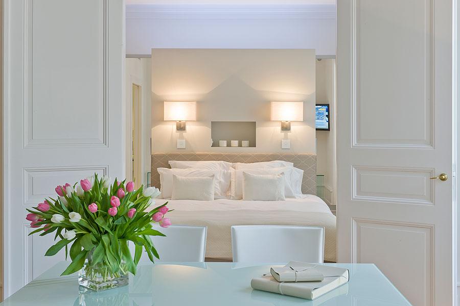 Agencement pour chambres d'hôtel a besoin de mobilier sur